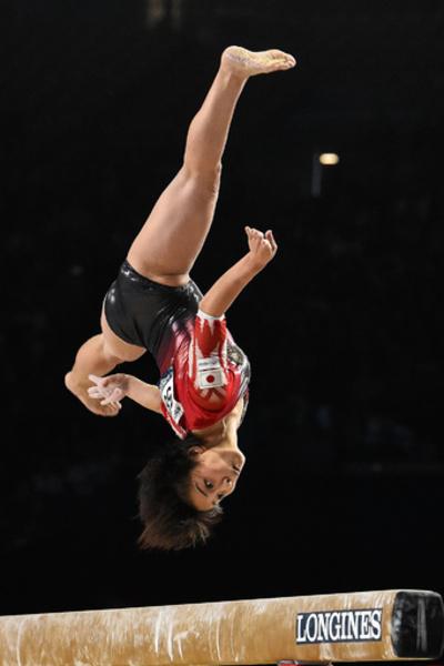 村上は女子個人総合4位、優勝は米国の16歳ハード 世界体操