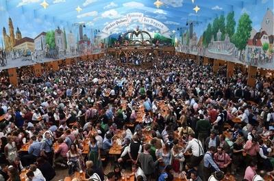 独ビールの祭典「オクトーバーフェスト」、今年も盛況 7日まで開催
