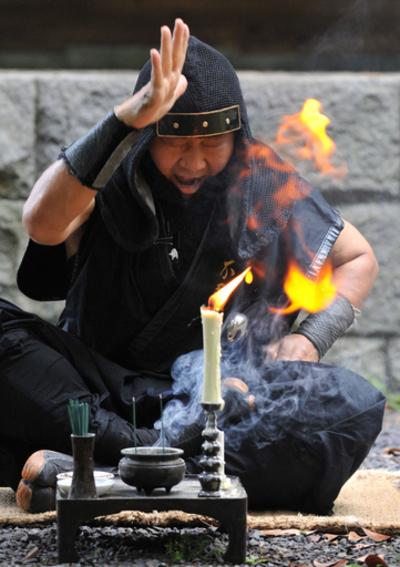 現代に生きる「最後の忍者」、甲賀流伴党21代宗家