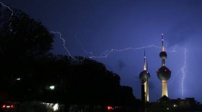 クウェートタワー上空の稲妻