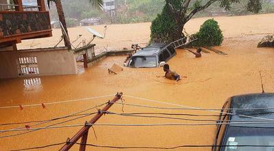シエラレオネ首都で大洪水、312人死亡 2千人超が家失う