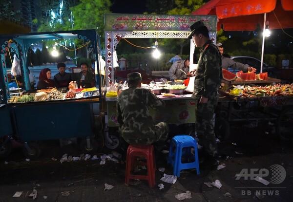 ウイグル自治区にもっと漢民族を、中国戸籍制度改革の裏の意図