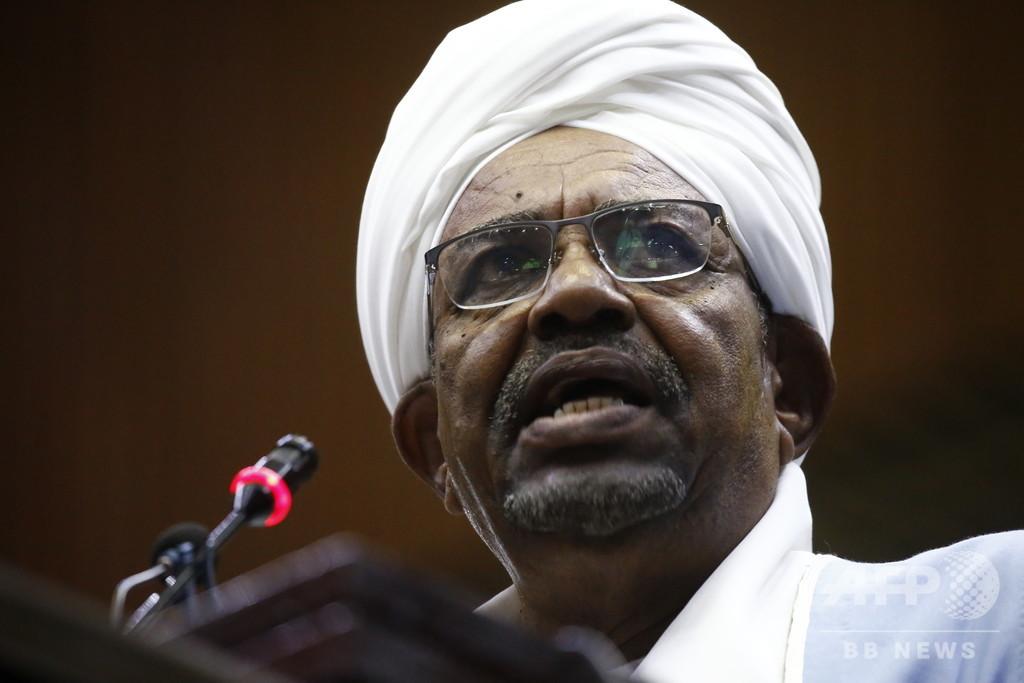 スーダン軍、大統領を解任・拘束