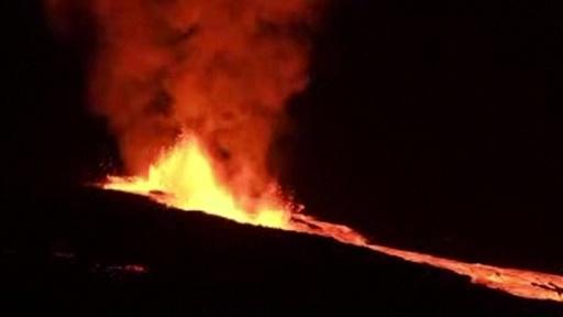 動画:ガラパゴス諸島イサベラ島の火山が噴火