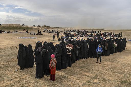 シリア最後のIS拠点で民間人避難続く フランス人戦闘員の妻も