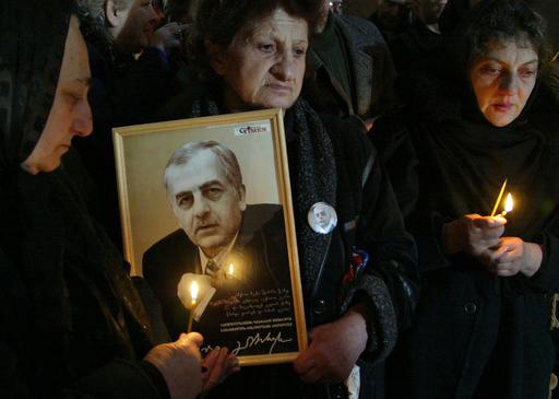 初代大統領の追悼式典開催 - グルジア