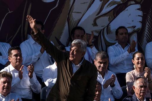 メキシコ大統領、米国による関税発動の回避祝う 「経済危機は起きない」