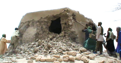 イスラム武装勢力が15世紀のモスク入口を破壊、マリ・トンブクトゥ
