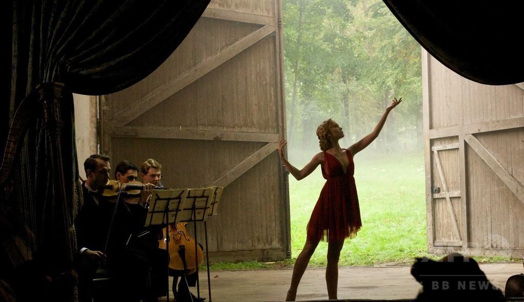 リリーローズ・デップの妖艶なダンスに注目、映画「ザ・ダンサー」