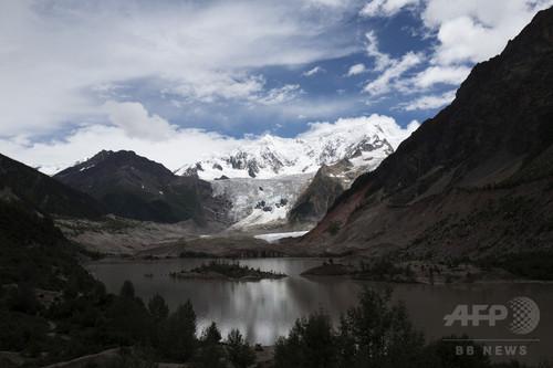 危険をはらんだ「中国で最も綺麗な氷河」