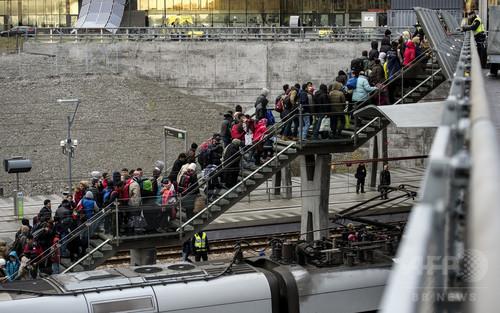 スウェーデン、最大8万人の難民申請者を国外退去へ
