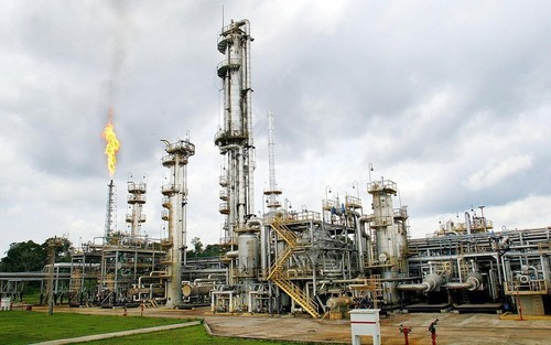 ブラジル、国内最大級の油田を発見と発表、世界有数の産油国に名乗り