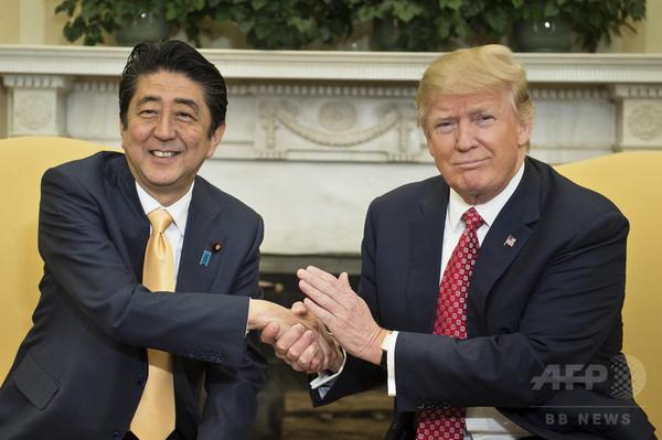 トランプ大統領、対北で防衛力強化を明言 安倍首相と電話会談