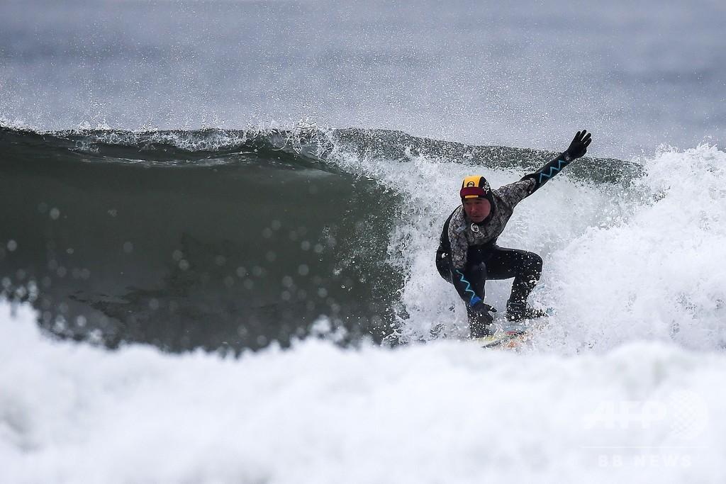 64歳、サーファー 福島の海に生きる