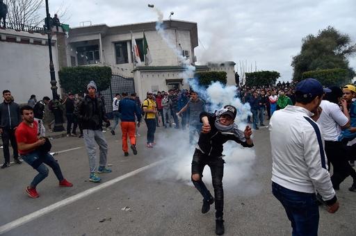 アルジェリア最古の博物館で略奪・破壊、反大統領デモのさなか
