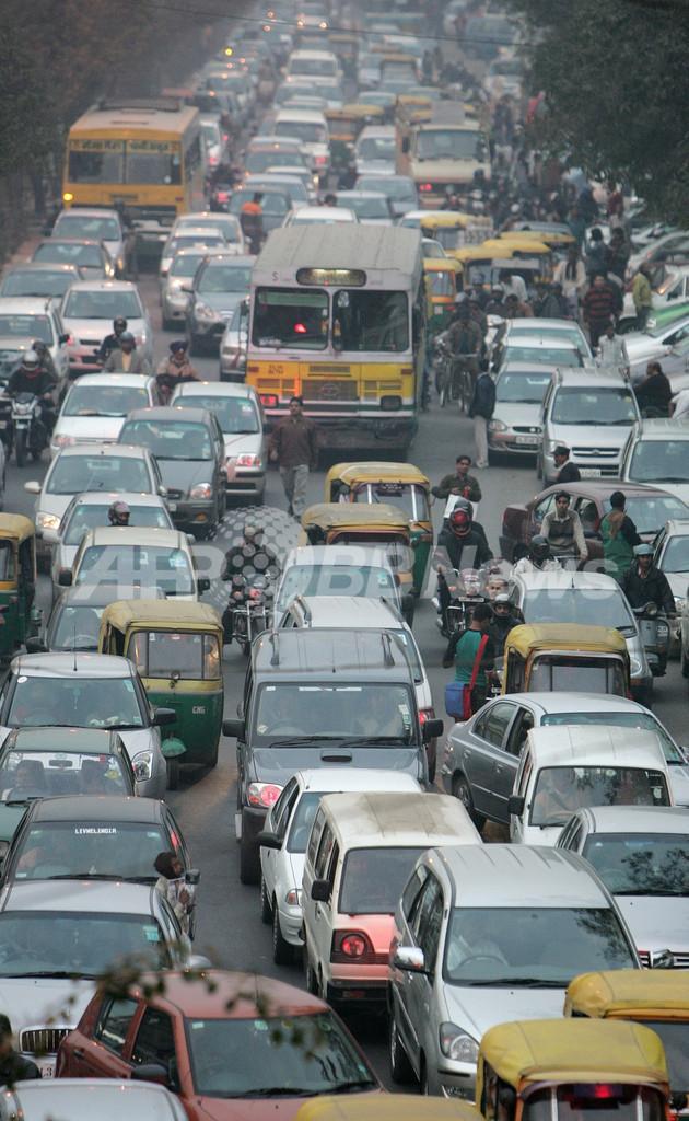「クラクションを鳴らさないで」、インドでドライバーに新年の誓い求める