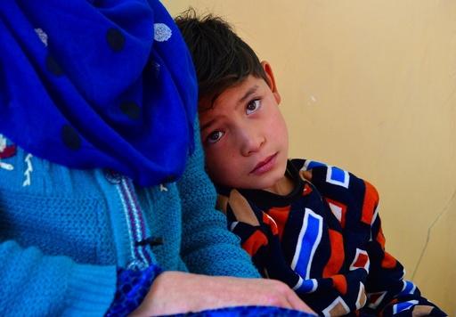 動画:夢から悪夢へ…アフガンの「小さなメッシ」、タリバンに追われ避難民に