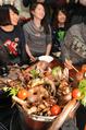 動画:コオロギやゴキブリが食材に、昆虫食伝道師の鍋パーティー