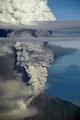 ムラピ山で最大の噴火、49人死亡 18キロ離れた村も被害