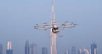 「空飛ぶタクシー」の試運転に成功、5年で実用化? ドバイ