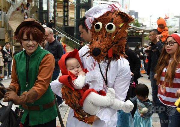 エルサからアイアンマンまで、映画の役になりきってハロウィンパレード東京