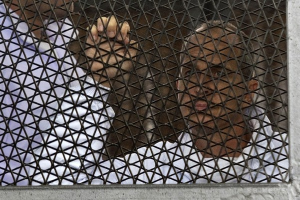 エジプト、アルジャジーラの豪人記者を釈放 国外退去
