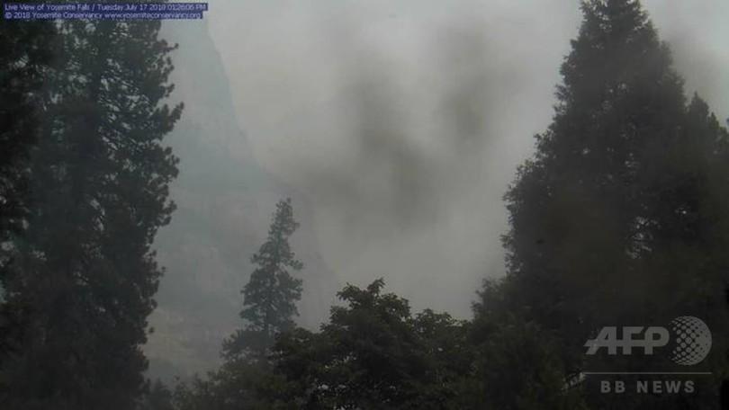 米カリフォルニアで森林火災、1人死亡 ヨセミテにも脅威迫る