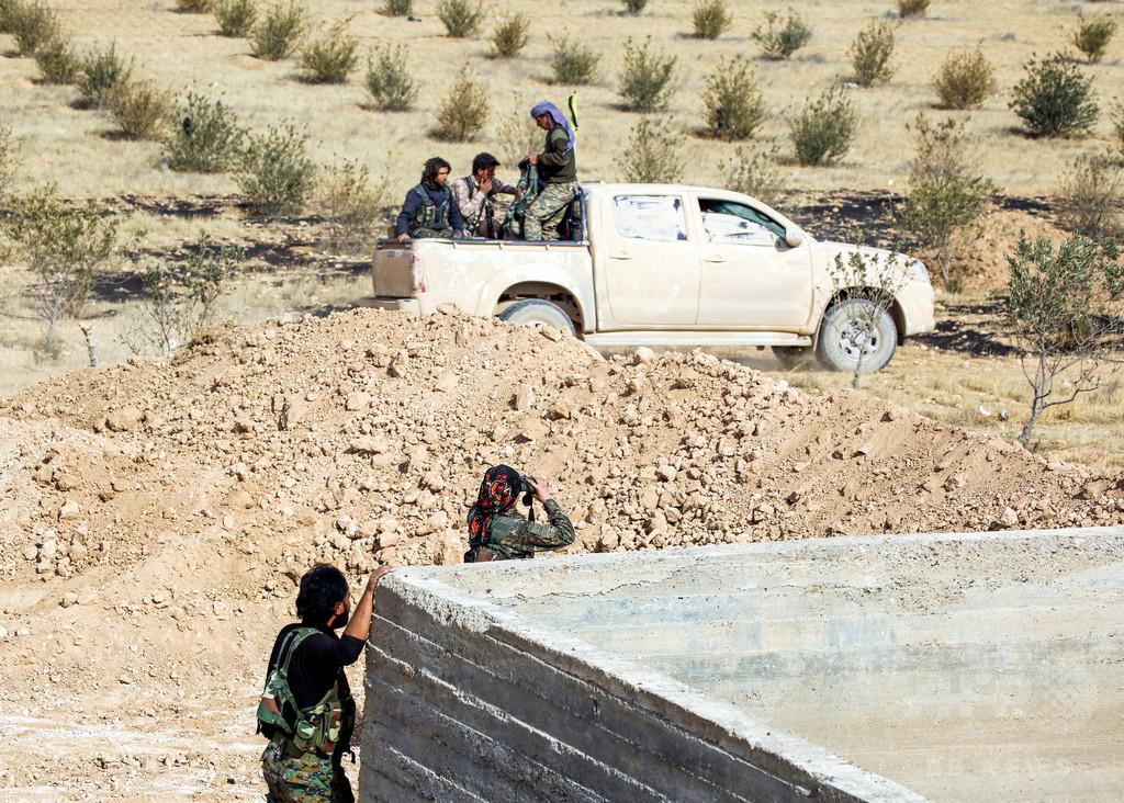 前線に立つクルド人女性部隊、使命は「女の敵ISへの報復」