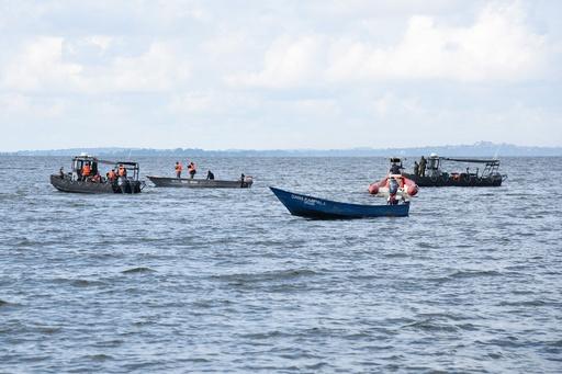 ビクトリア湖で船が沈没、パーティー客ら30人死亡60人超不明 ウガンダ
