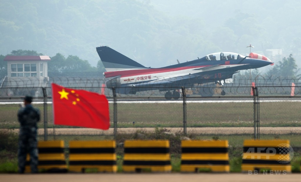 女性初の「殲10」パイロット、訓練中に事故死 中国