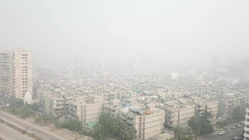 動画:スモッグにかすむ街並み、よどんだ空気に包まれた印ニューデリー