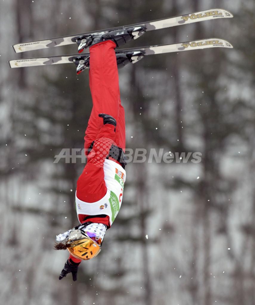 リ・ニナが女子エアリアル3連覇、フリースタイルスキー世界選手権