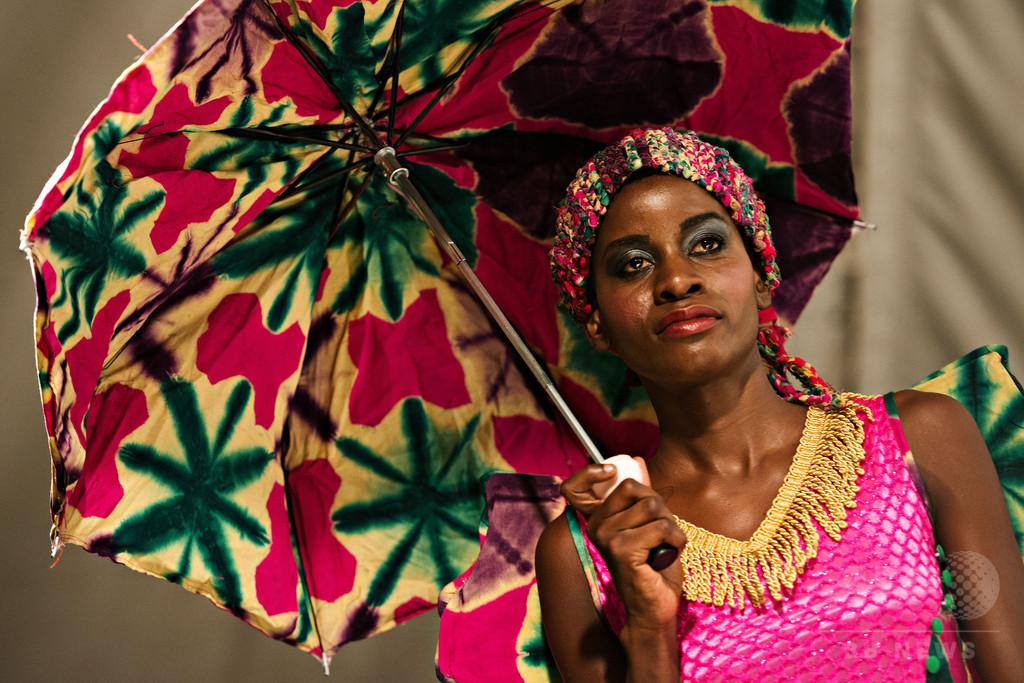 タンザニアで「スワヒリ・ファッション・ウィーク」開催