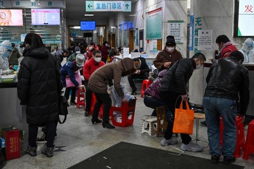 中国新型ウイルスの死者56人に、診察に2日間待ちも 習主席「深刻な状況」