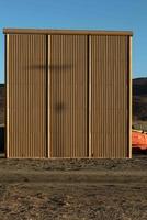 米メキシコ国境の壁、8枚の試作品を制作 米カリフォルニア