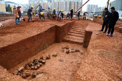 西漢~明・清時代の古墳約100基を発見 広西・貴港市