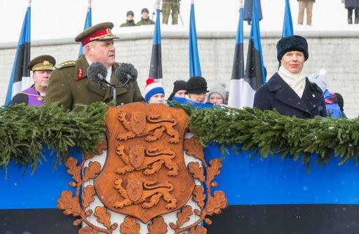 エストニア、独立宣言から100周年 首都で軍事パレード