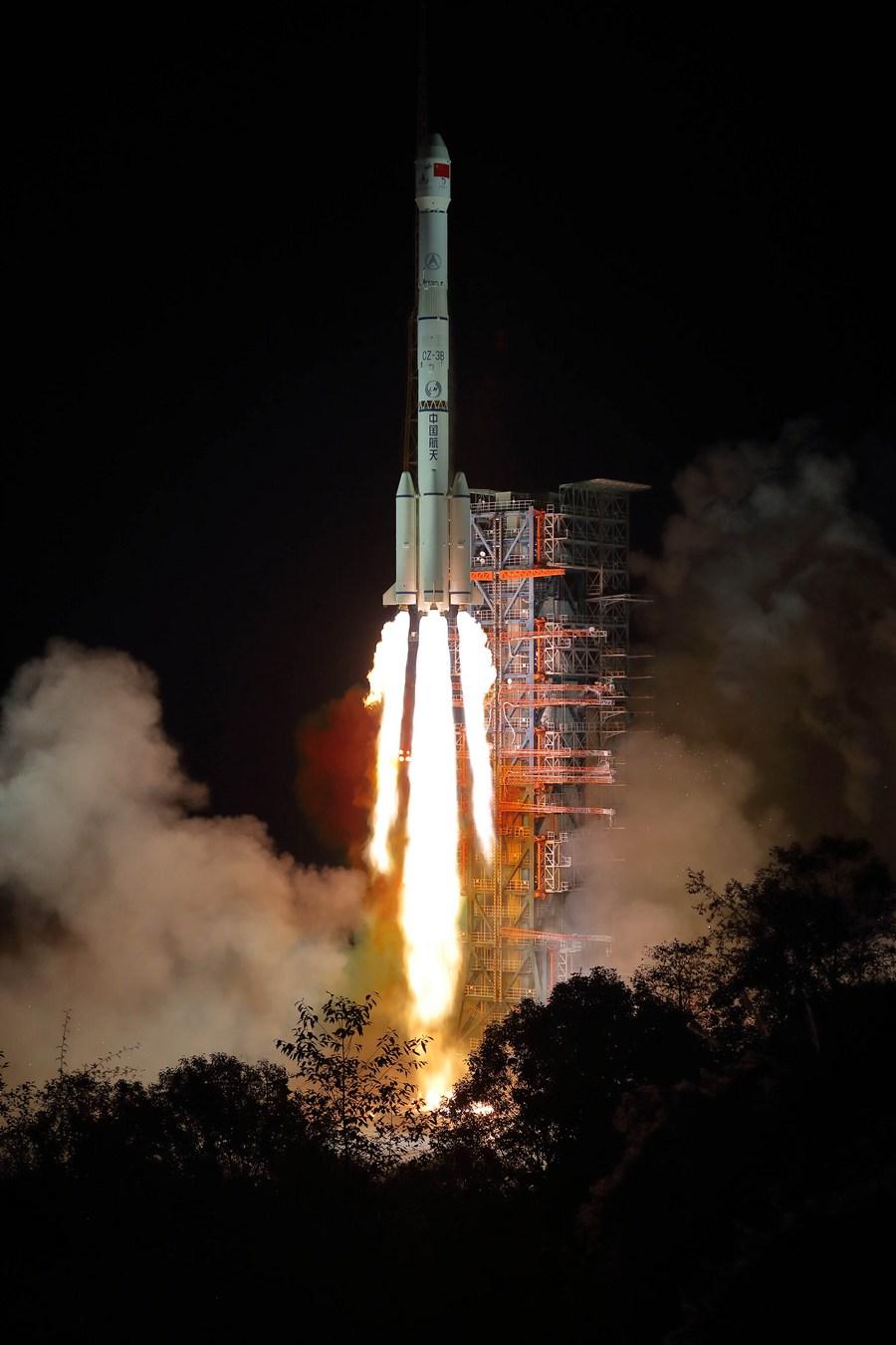 中国の月探査機「嫦娥4号」、小惑星衝突の歴史を解明