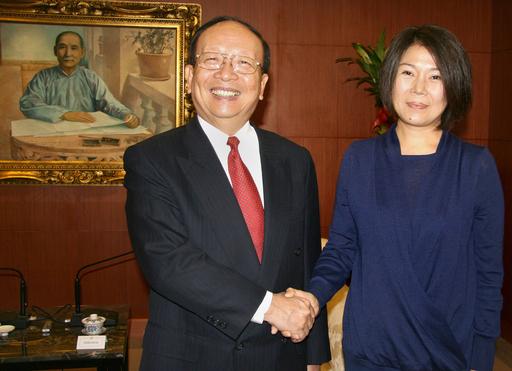 毛沢東と蒋介石の孫同士が台湾で面会
