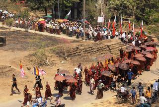 ラカイン州で仏教徒の集団が暴動、警察の発砲で7人死亡ミャンマー