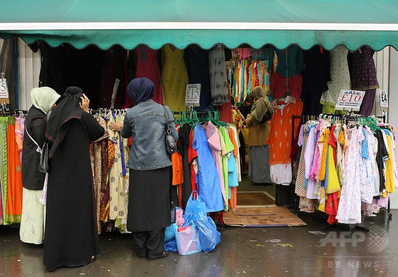 ムスリム女性移民、英語習得しなければ追放も 英首相が新方針