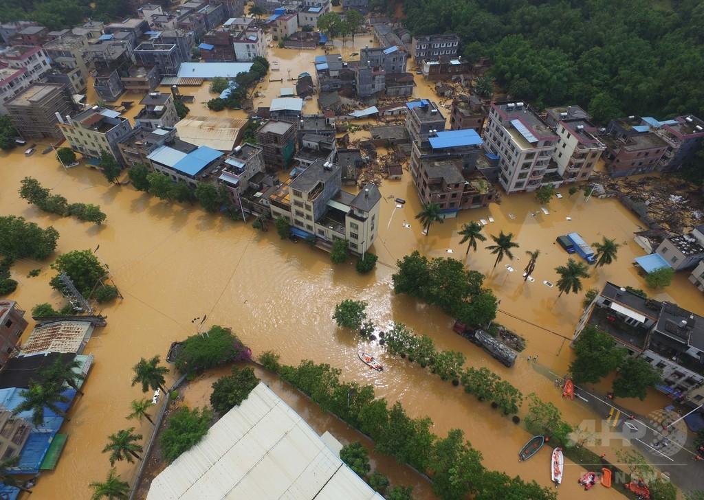 中国南部・広東省で洪水、冠水して水深1~3メートルに