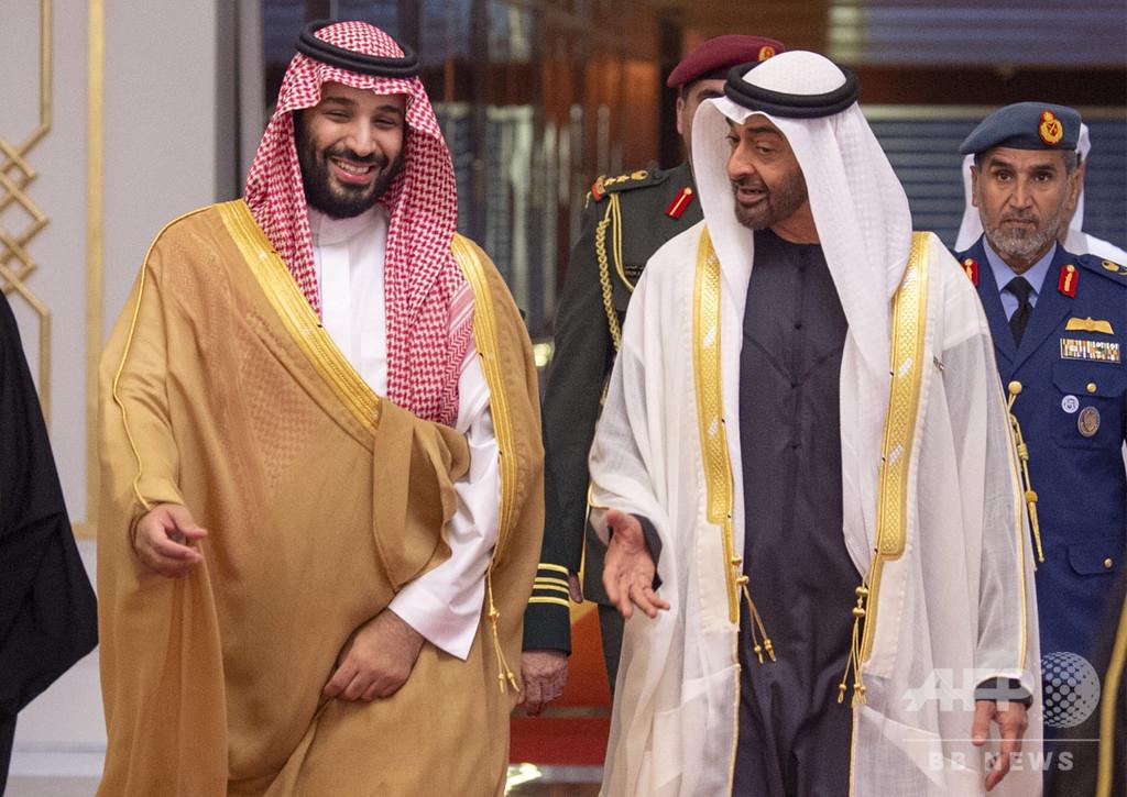 サウジ皇太子、カショギ氏殺害後初の外遊 UAEでアブダビ皇太子と会談