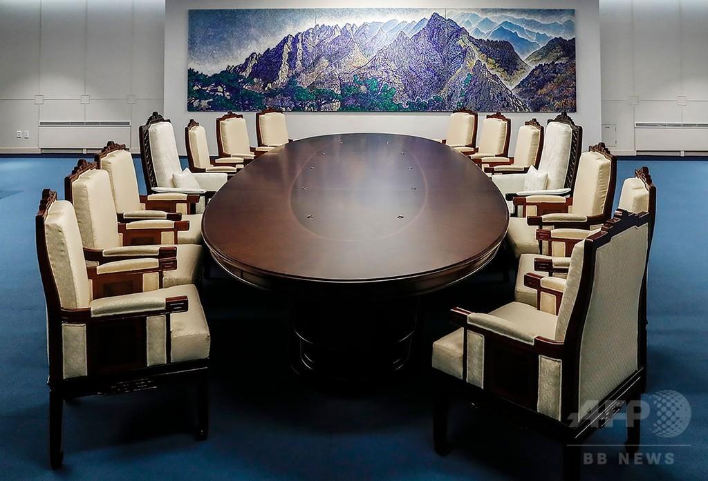 南北首脳会談、会場の椅子に竹島描かれる 韓国大統領府が写真公開