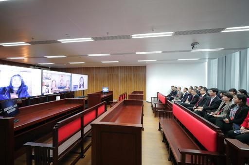 中国・海南省の裁判所に「AI裁判官」登場 裁判官不足解消に一役