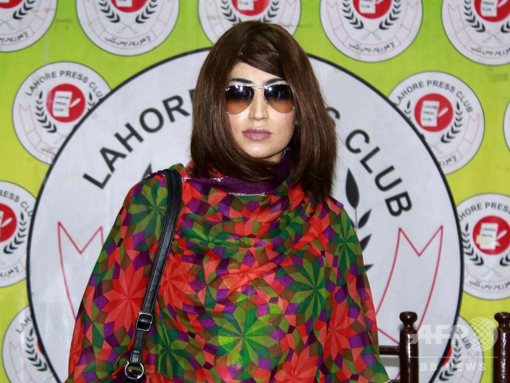 SNSの有名人女性を「名誉のため」殺害、実の兄弟に終身刑 パキスタン