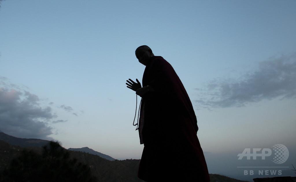 16年前の殺人事件容疑者を拘束、寺院で僧侶に 中国