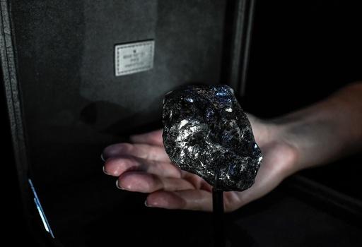 ルイ・ヴィトン、史上2番目に大きなダイヤ原石を披露 高級宝飾市場に一石