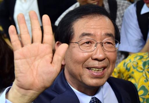 肖像画贈ったら政敵の顔だった…! 中国省長、ソウル市長に謝罪