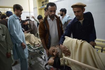 パキスタンの市場で自爆攻撃、31人死亡 情勢不安定な部族地域